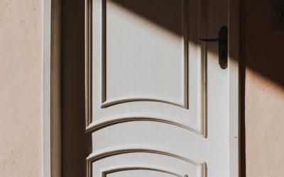 Mantenimiento de las puertas de madera